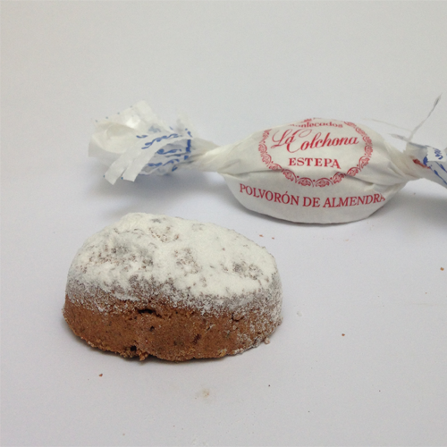 Polvorones of almond